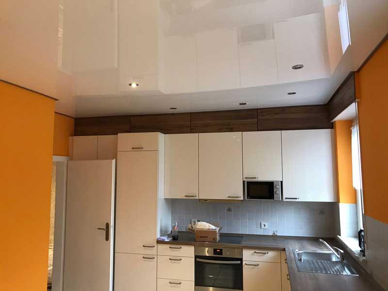 Spanndecke, Lackspanndecke in einer Küche